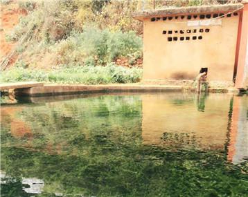 周末去九龙池拍的这水好科幻太清了